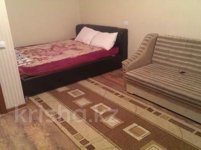 1-комнатная квартира, 32 м², 7/10 этаж помесячно, 11 мкр. 8 за 80 000 〒 в Актау — фото 3