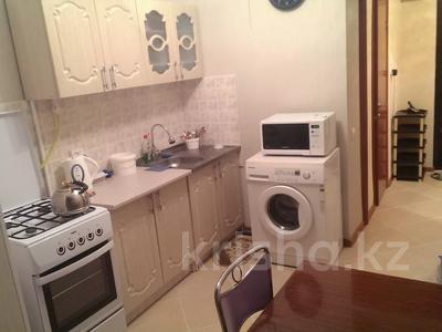 1-комнатная квартира, 32 м², 7/10 этаж помесячно, 11 мкр. 8 за 80 000 〒 в Актау — фото 6