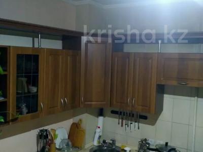 3-комнатная квартира, 72 м², 6/9 этаж, мкр Жетысу-1 19 — Момышулы и Улугбека за 27 млн 〒 в Алматы, Ауэзовский р-н