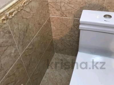 5-комнатный дом помесячно, 200 м², 8 сот., Мкр Самал-2 23 — Казиева-Аргынбекова за 300 000 〒 в Шымкенте — фото 12