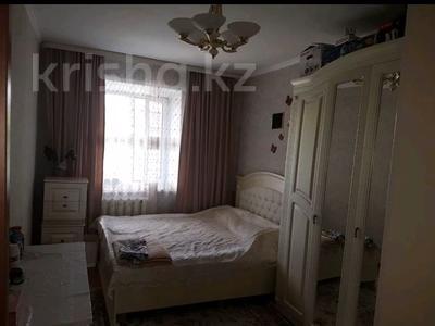4-комнатная квартира, 90 м², 3/6 этаж, Чернышевского 107 — Рыскулова за 12.5 млн 〒 в Актобе