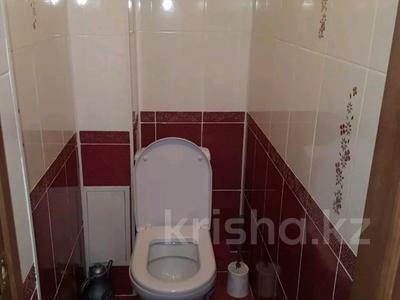 4-комнатная квартира, 90 м², 3/6 этаж, Чернышевского 107 — Рыскулова за 12.5 млн 〒 в Актобе — фото 4