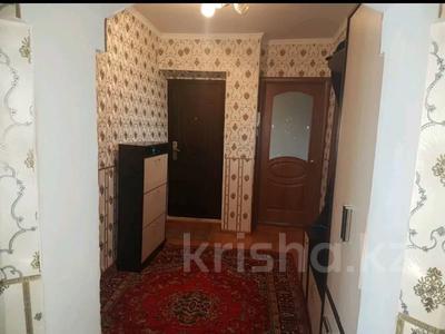 4-комнатная квартира, 90 м², 3/6 этаж, Чернышевского 107 — Рыскулова за 12.5 млн 〒 в Актобе — фото 8