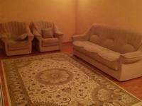 3-комнатная квартира, 70 м² помесячно, Абилкайыр хана 43 за 120 000 〒 в Актобе