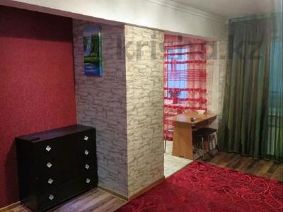 2-комнатная квартира, 42 м², 4/5 этаж посуточно, Маметова 54 за 8 000 〒 в Уральске — фото 2