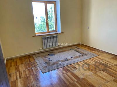 7-комнатный дом, 300 м², 10 сот., Мкр Отрадный 64 за 33 млн 〒 в Темиртау — фото 11