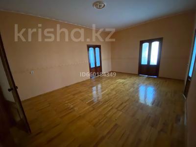 7-комнатный дом, 300 м², 10 сот., Мкр Отрадный 64 за 33 млн 〒 в Темиртау — фото 15