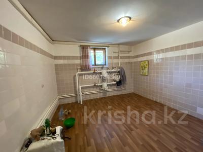 7-комнатный дом, 300 м², 10 сот., Мкр Отрадный 64 за 33 млн 〒 в Темиртау — фото 24