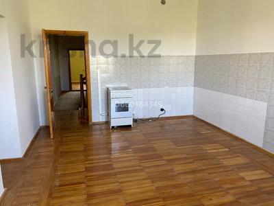 7-комнатный дом, 300 м², 10 сот., Мкр Отрадный 64 за 33 млн 〒 в Темиртау — фото 4