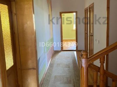 7-комнатный дом, 300 м², 10 сот., Мкр Отрадный 64 за 33 млн 〒 в Темиртау — фото 6