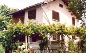 6-комнатный дом, 930 м², 930 сот., Пирин за ~ 7.3 млн 〒 в Бургас