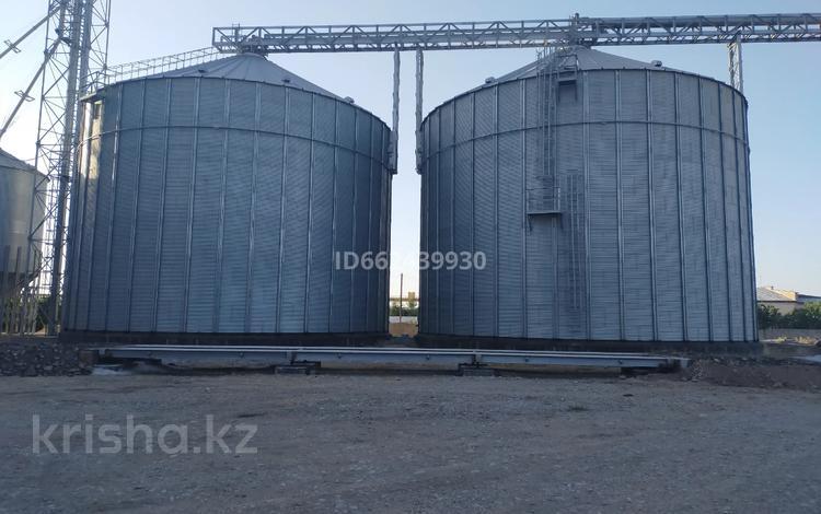 Силоса(бочки для хранения пшеницы 6400 тонн) за 3 млн 〒 в Шымкенте, Енбекшинский р-н