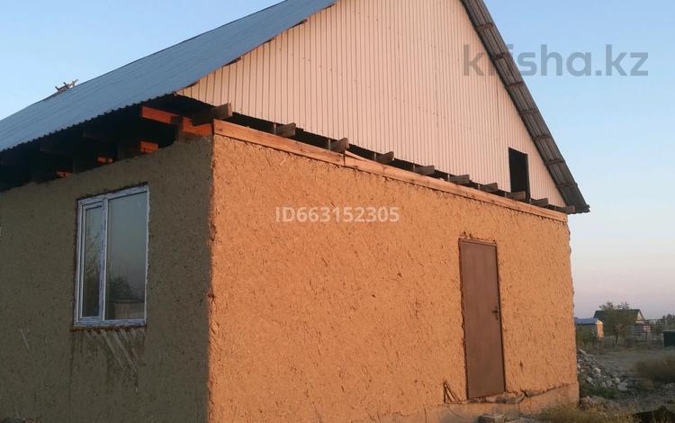 4-комнатный дом, 88 м², 15 сот., п. Головацкий 8 за 7.5 млн 〒 в Жаркенте