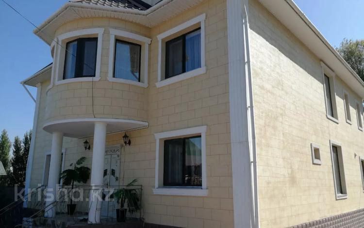 7-комнатный дом, 350 м², 10 сот., мкр Ерменсай за 130 млн 〒 в Алматы, Бостандыкский р-н
