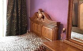 3-комнатная квартира, 74 м², 2/4 этаж помесячно, Назарбаева 3 за 150 000 〒 в Караганде, Казыбек би р-н