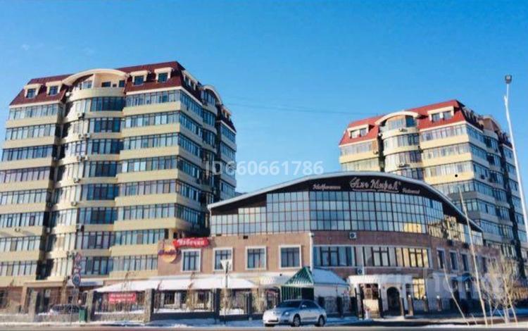 3-комнатная квартира, 128 м², 2/9 этаж, 12 мкр 38а за 26.8 млн 〒 в Актобе