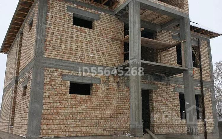 5-комнатный дом, 350 м², 8 сот., Ул.Комсомольская 21 за 19 млн 〒 в Шымкенте, Абайский р-н