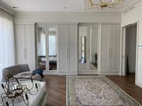 3-комнатная квартира, 145 м² на длительный срок, Аль- Фараби 116/1 за 1.5 млн 〒 в Алматы