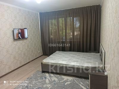 1-комнатная квартира, 40 м², 3/5 этаж посуточно, ул. Джансугурова 114 за 7 000 〒 в Талдыкоргане