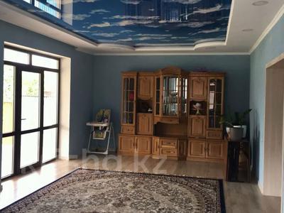 4-комнатный дом, 210 м², 10 сот., Шаймерденова — Мустафина за 60 млн 〒 в Алматы, Наурызбайский р-н