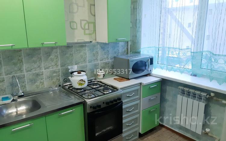 3-комнатная квартира, 49.2 м², 2/5 этаж, проспект Мухтара Ауэзова 61 за 12.5 млн 〒 в Атырау