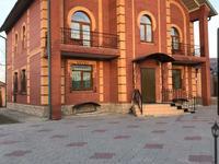8-комнатный дом, 385 м², 15 сот.