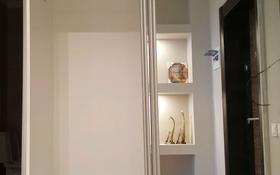2-комнатная квартира, 79.3 м², 6/9 этаж помесячно, мкр Центральный, улица Шокана Валиханова 13В за 300 000 〒 в Атырау, мкр Центральный