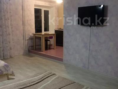 1-комнатная квартира, 32 м², 3/4 этаж посуточно, Кабанбай батыра 51 — Шевченко за 6 000 〒 в Талдыкоргане — фото 3
