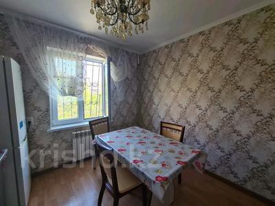 2-комнатная квартира, 60 м², 4/5 этаж на длительный срок, мкр Верхний Отырар 48 за 100 000 〒 в Шымкенте, Аль-Фарабийский р-н