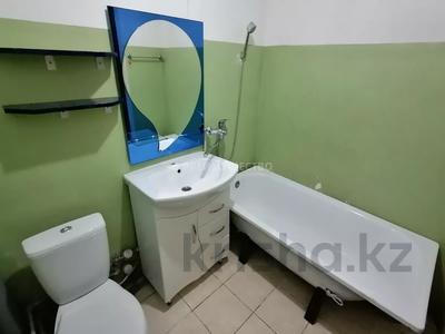 2-комнатная квартира, 56 м², 10/10 этаж, мкр Женис 8 за 11.5 млн 〒 в Уральске, мкр Женис — фото 7