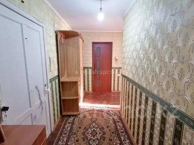 2-комнатная квартира, 56 м², 10/10 этаж, мкр Женис 8 за 11.5 млн 〒 в Уральске, мкр Женис — фото 8