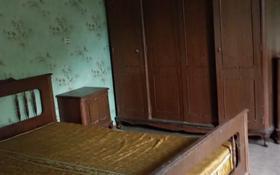 2-комнатный дом помесячно, 60 м², ул Жамбыл 70 за 50 000 〒 в Актобе