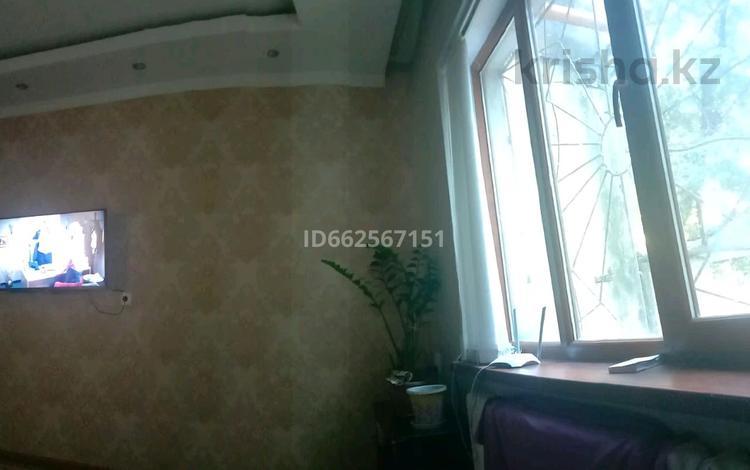 3-комнатная квартира, 64 м², 1/5 этаж, Карасу 16 — 10мкр за 13 млн 〒 в Таразе