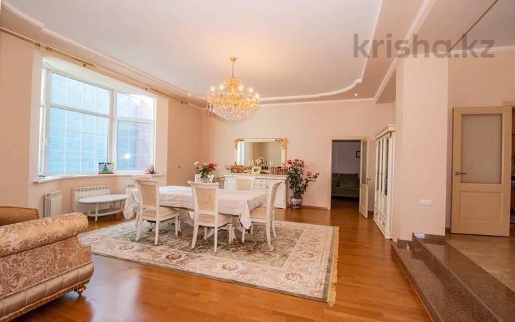 5-комнатный дом, 250 м², 6 сот., мкр Алатау, Сыргабекова — Аль-Фараби за 97 млн 〒 в Алматы, Бостандыкский р-н