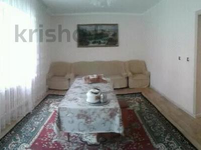8-комнатный дом, 250 м², 15 сот., С.Шакирова 176 б — Балуан Шолақ за 25 млн 〒 в Толе би