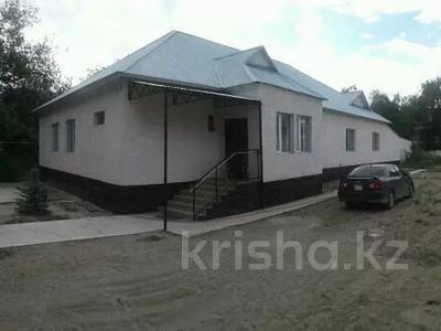 8-комнатный дом, 250 м², 15 сот., С.Шакирова 176 б — Балуан Шолақ за 25 млн 〒 в Толе би — фото 2