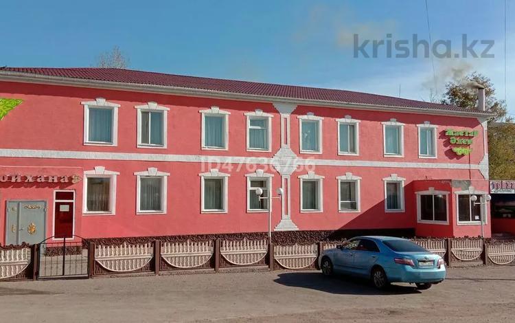Здание, площадью 1000 м², Мануильского за 63 млн 〒 в Караганде, Октябрьский р-н
