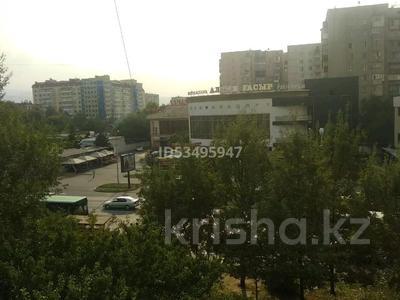 3-комнатная квартира, 87 м², 4/9 этаж, мкр Аксай-1, Толе би 23 — Момышулы за 28 млн 〒 в Алматы, Ауэзовский р-н — фото 8
