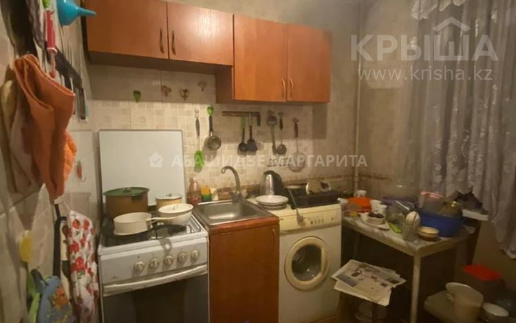 3-комнатная квартира, 59 м², 4/4 этаж, мкр №3, Мкр №3 — Абая за 16.5 млн 〒 в Алматы, Ауэзовский р-н