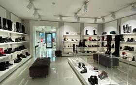 Магазин площадью 370 м², Курмангазы за 1.7 млн 〒 в Алматы, Алмалинский р-н