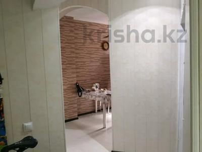 3-комнатная квартира, 69 м², 3/12 этаж, мкр Тастак-2 280 — Тлиндиева Толе-би за 30.5 млн 〒 в Алматы, Алмалинский р-н — фото 16