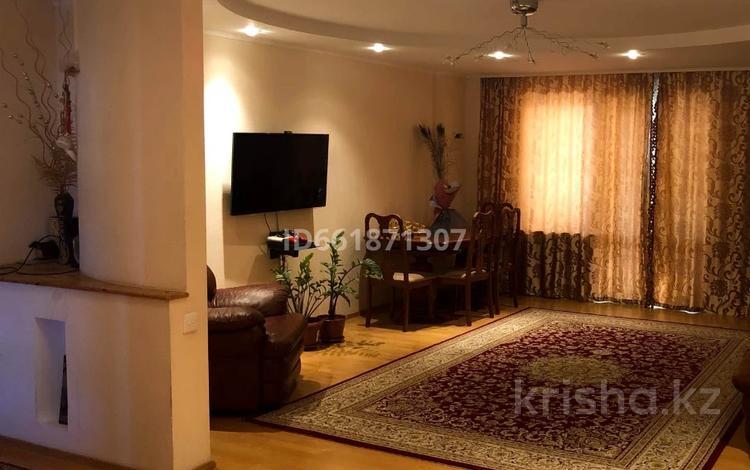 4-комнатная квартира, 114.7 м², 7/10 этаж, Алия Молдагулова за 30 млн 〒 в Актобе, мкр 5
