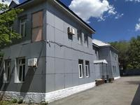 Здание, площадью 1812 м²
