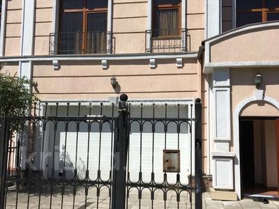 7-комнатная квартира, 360 м², 3 этаж помесячно, мкр Мирас 150 за 1.1 млн 〒 в Алматы, Бостандыкский р-н