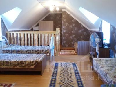2-комнатный дом посуточно, 70 м², 10 сот., Биржан сала 29 за 20 000 〒 в Бурабае — фото 3