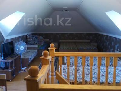 2-комнатный дом посуточно, 70 м², 10 сот., Биржан сала 29 за 20 000 〒 в Бурабае — фото 6