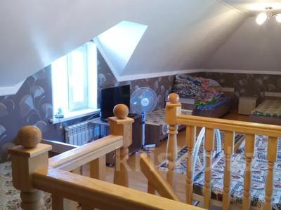 2-комнатный дом посуточно, 70 м², 10 сот., Биржан сала 29 за 20 000 〒 в Бурабае — фото 7
