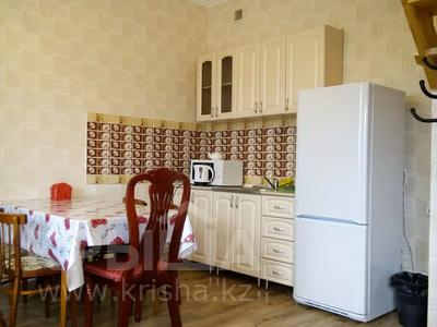 2-комнатный дом посуточно, 70 м², 10 сот., Биржан сала 29 за 20 000 〒 в Бурабае — фото 2