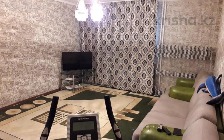 3-комнатная квартира, 95 м², 4/9 этаж, Адольфа Янушкевича за 30.3 млн 〒 в Нур-Султане (Астана), р-н Байконур