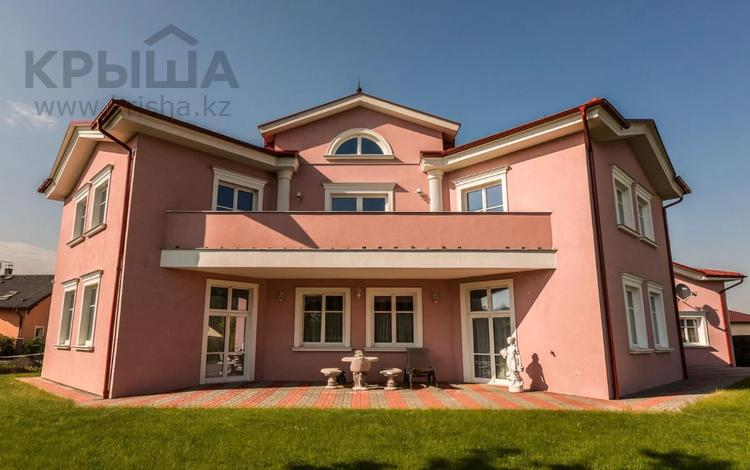 8-комнатный дом, 725 м², 2052 сот., M. Rovenské 32 за ~ 362.4 млн 〒 в Карловых Вары